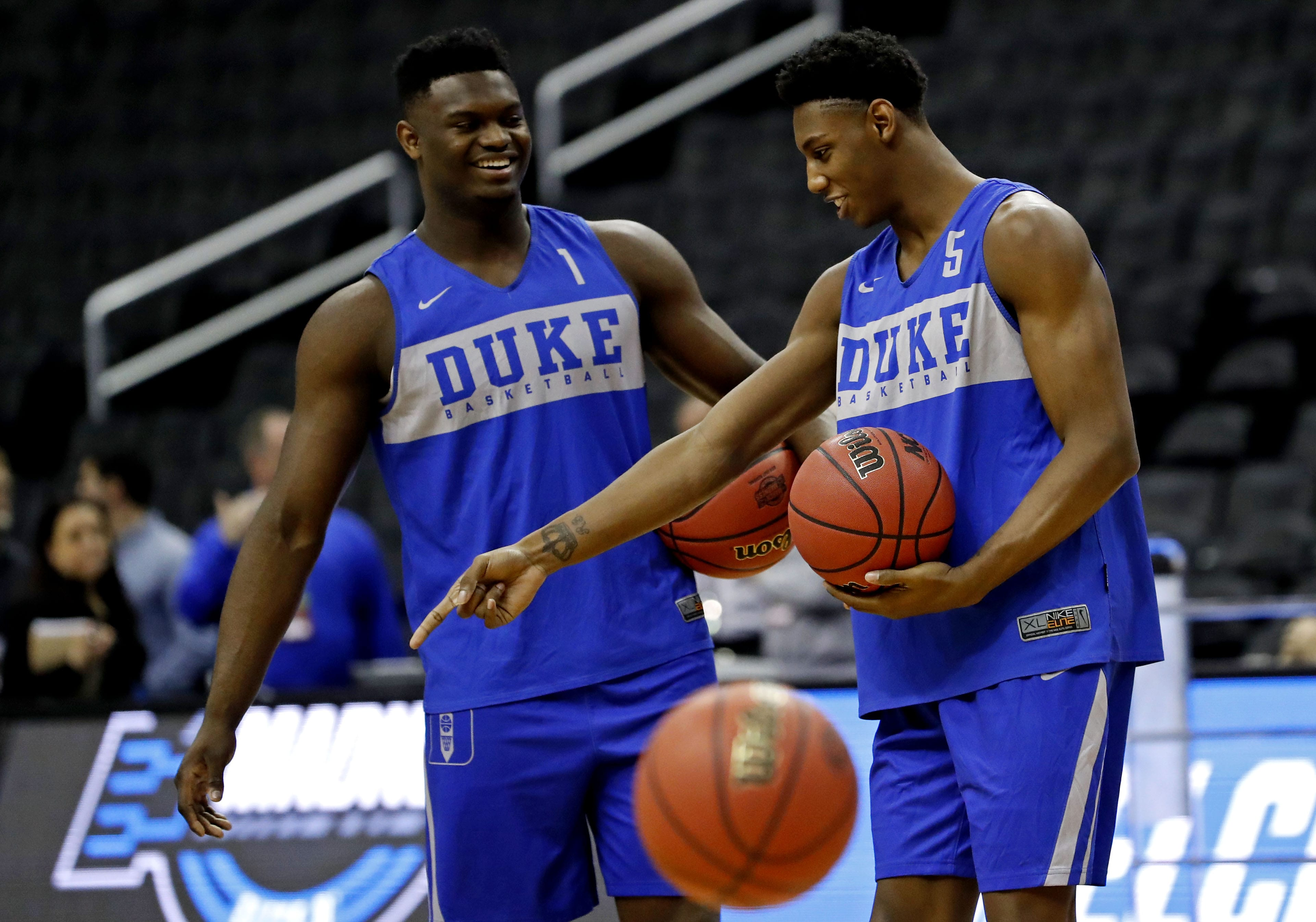 best service 4fc3a c3166 New York Knicks: Zion Williamson knows RJ Barrett can be great