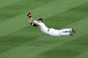 BREAKING: New York Yankees' Clint Frazier and Gio Urshela named Gold Glove Award finalists
