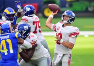 New York Giants: One stat illustrates how bad NFC East QBs have been