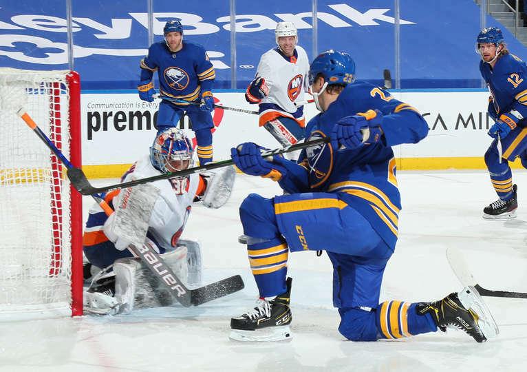 New York Islanders: Ilya Sorokin's first win was exactly how it needed to be