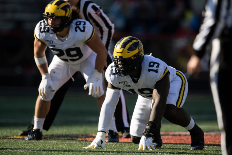 New York Giants: Sources claim pass rusher is more likely than receiver in draft