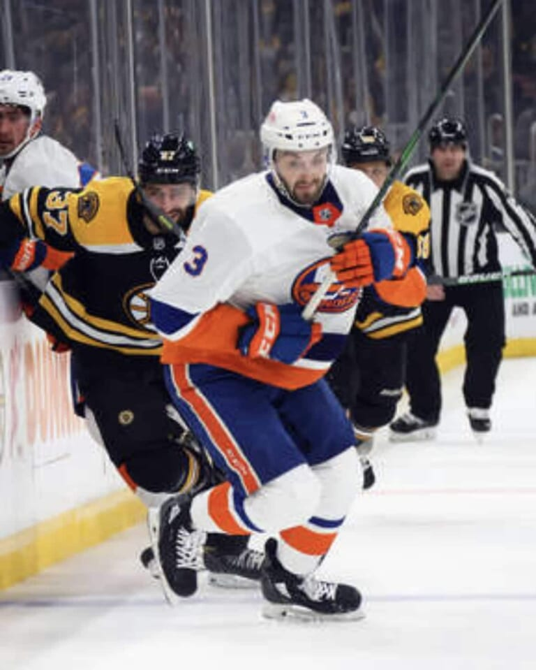 Islanders' Adam Pelech showing again why he deserves to be among NHL's elite