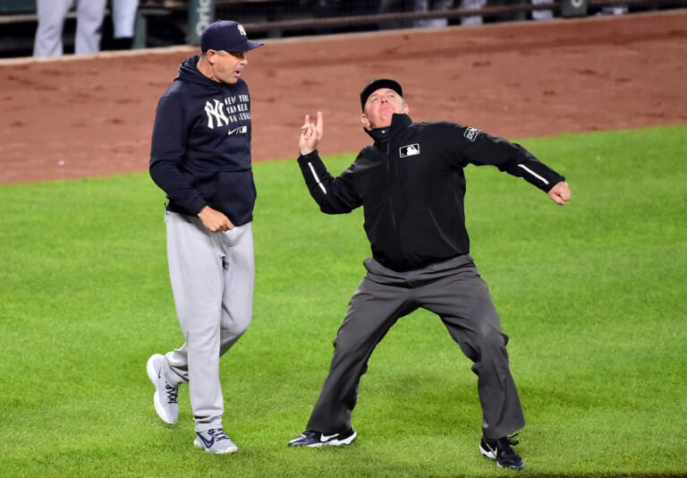New York Yankees: In baseball you see something new all the time, I've never seen this (video)
