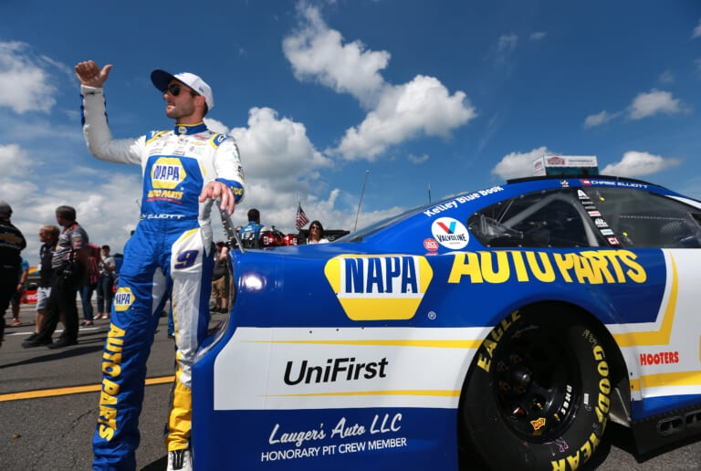 NASCAR: Chase Elliott reclaims road course crown at Road America