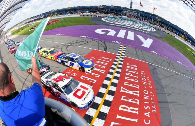 NASCAR: Drivers prefer resin-covered racing surface rather than PJ1