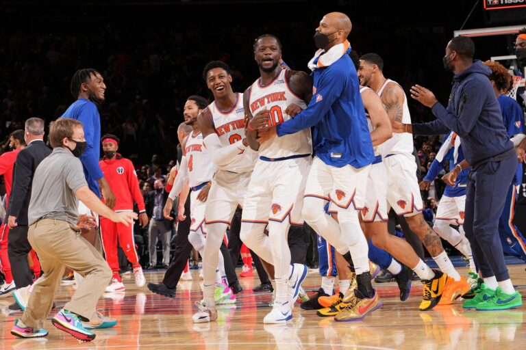 Julius Randle sets the tone for Knicks' season with a game-winner